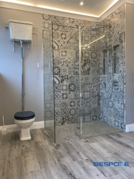 Luxury bathroom in Delgany